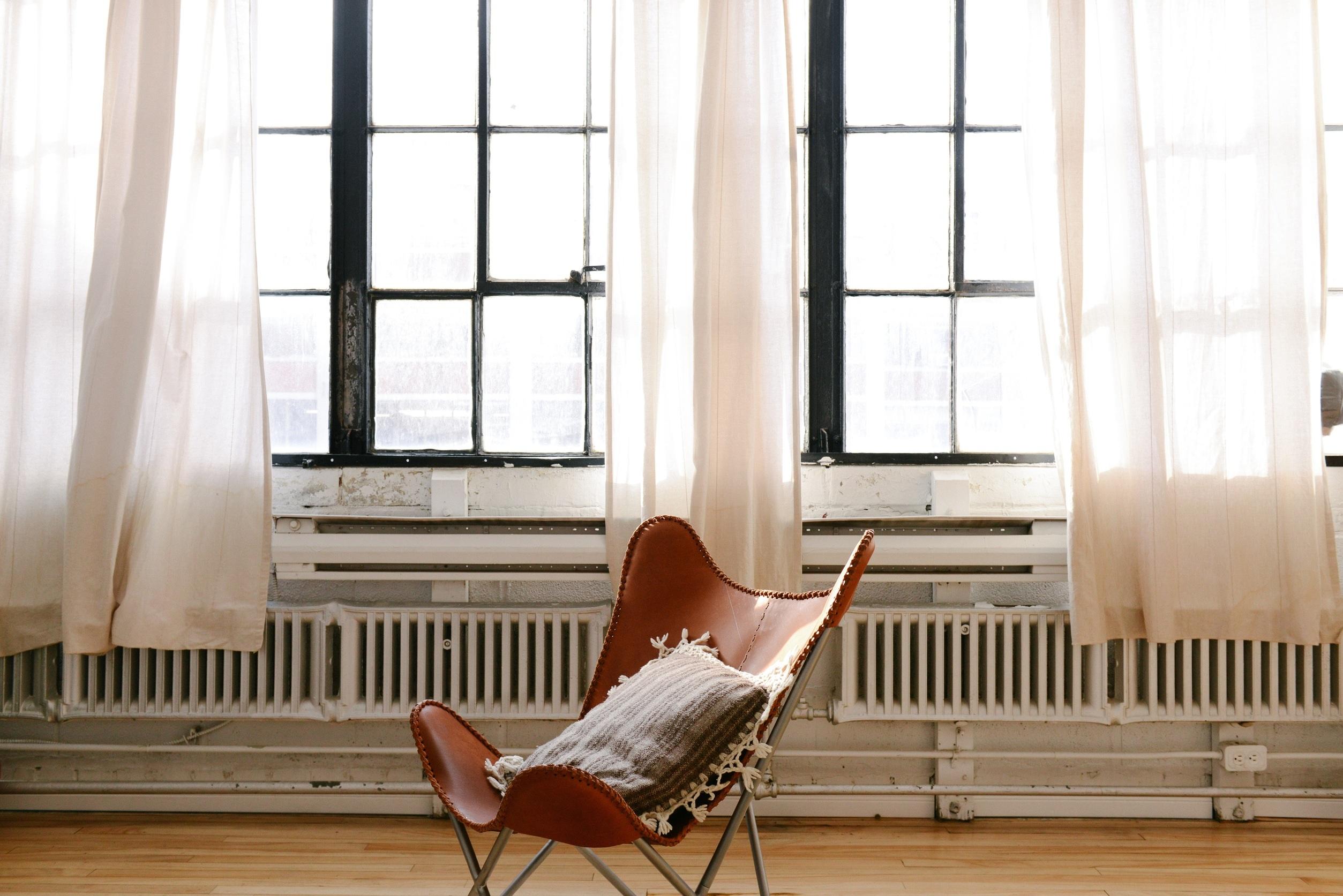 chair-690341