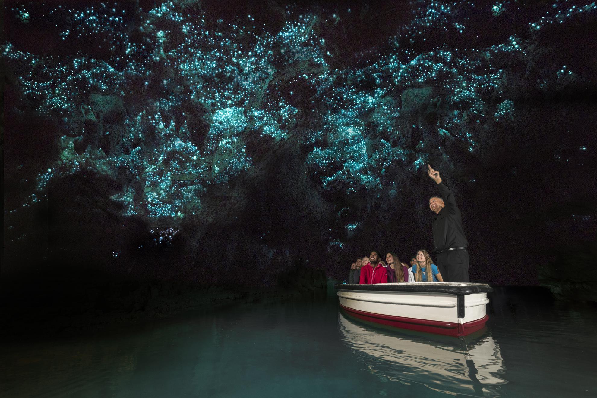waitomo-glowworm-caves-discover-waitomo-new-zealand-clvsma
